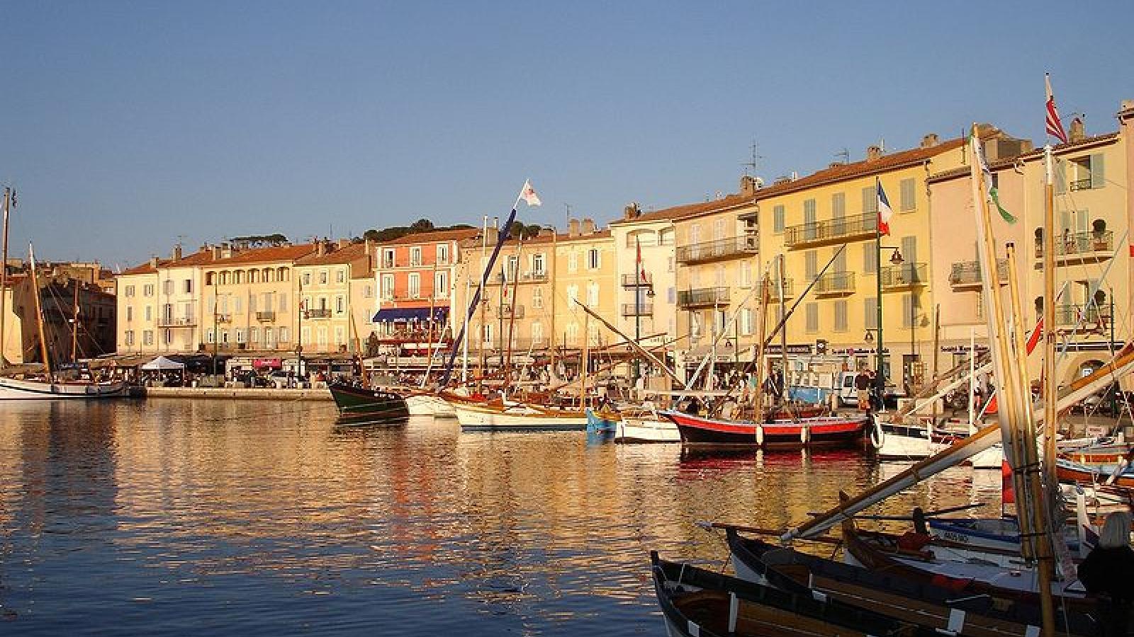 Le vieux port de Saint-Tropez, quelle histoire !