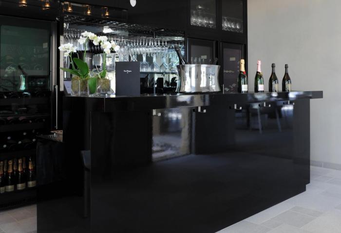 Le Bar by Dom Pérignon  ©Manuel Zublena