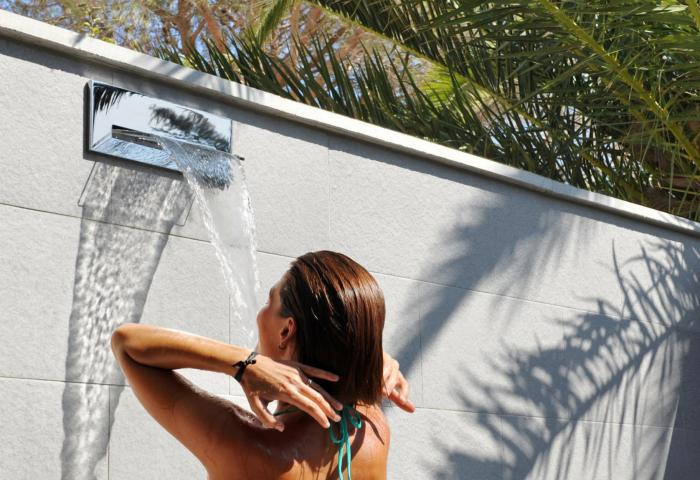 Outdoor shower  ©Manuel Zublena