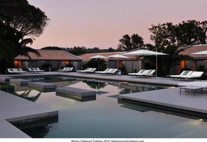 Pool by night  1 ©Manuel Zublena